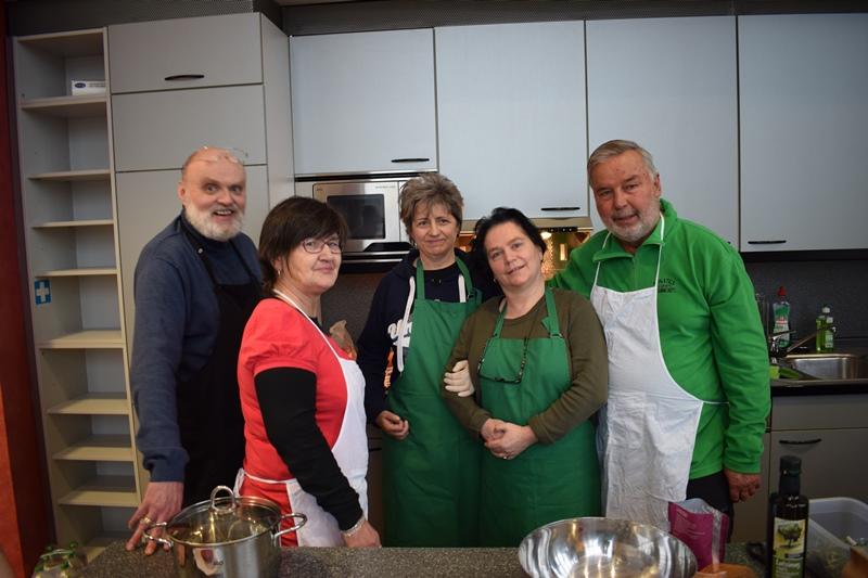 Kochen-im-Inmotio-Therapiezentrum-Projekt-Kopf-Herz-Hand-8.jpg